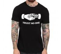 """Тениска с надпис """"Trust no one"""" ,мъжка"""