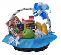 Корпоративна кошница с чаша с лого, кафе, плодове и сладкости