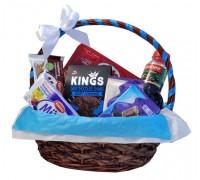 Корпоративна кошница със сок и сладости