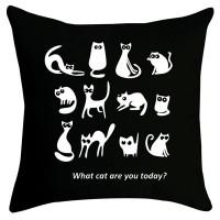 Възглавничка в черен цвят Котки